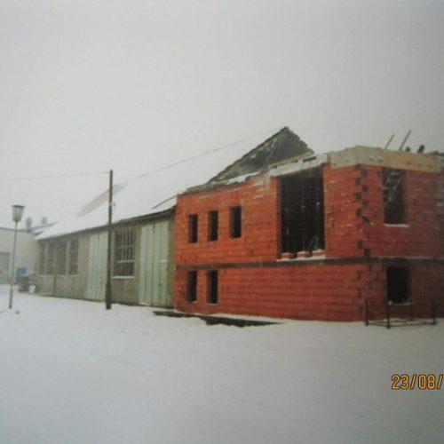 Neubau Bürogebäude, Erweiterung Produktionshallen