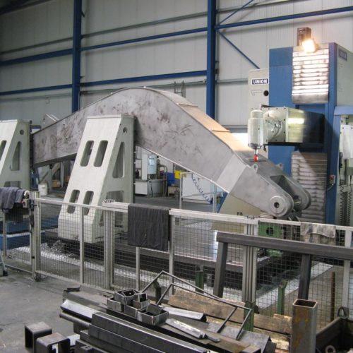 CNC Bohr- und Fräswerk
